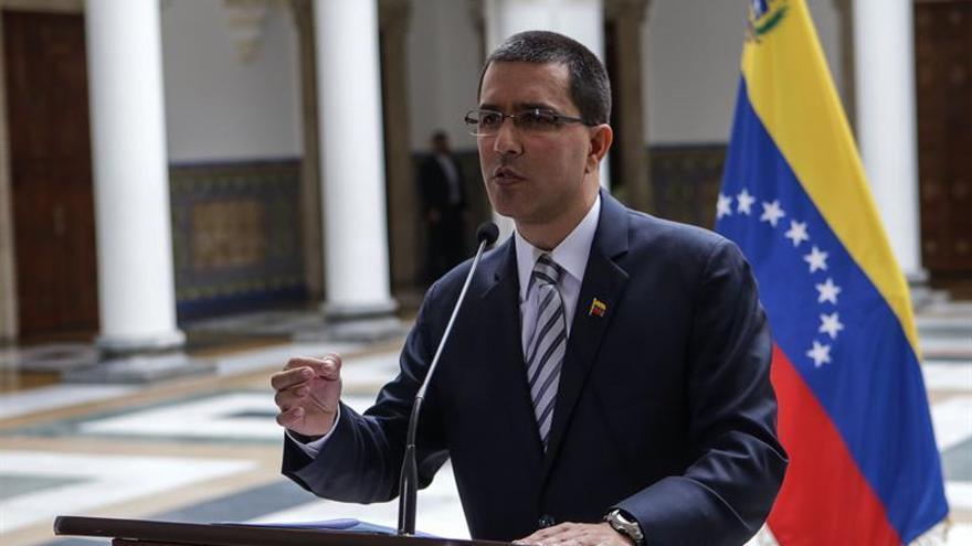 """El Gobierno venezolano denuncia las """"ideas supremacistas blancas"""" de Trump"""
