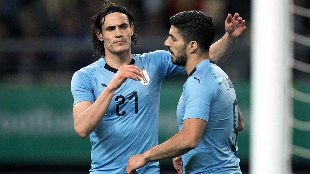 Suárez y Cavani, ausentes en uruguay.