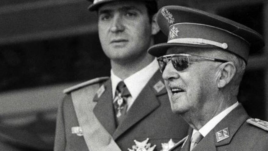 El Rey Juan Carlos con Franco.