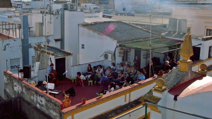 El proyecto llena de cultura las azoteas / http://redetejas.org/