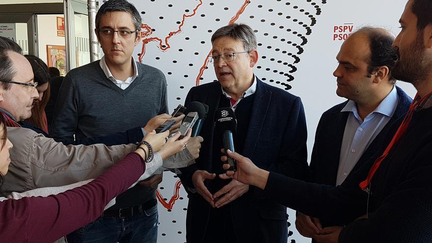 Ximo Puig con Eduardo Madina y José Cralos Díez en la convención de ideas del PSPV-PSOE.