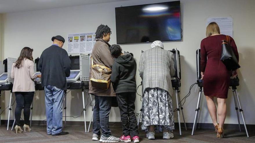 """Los """"otros"""" candidatos de una campaña electoral atípica"""