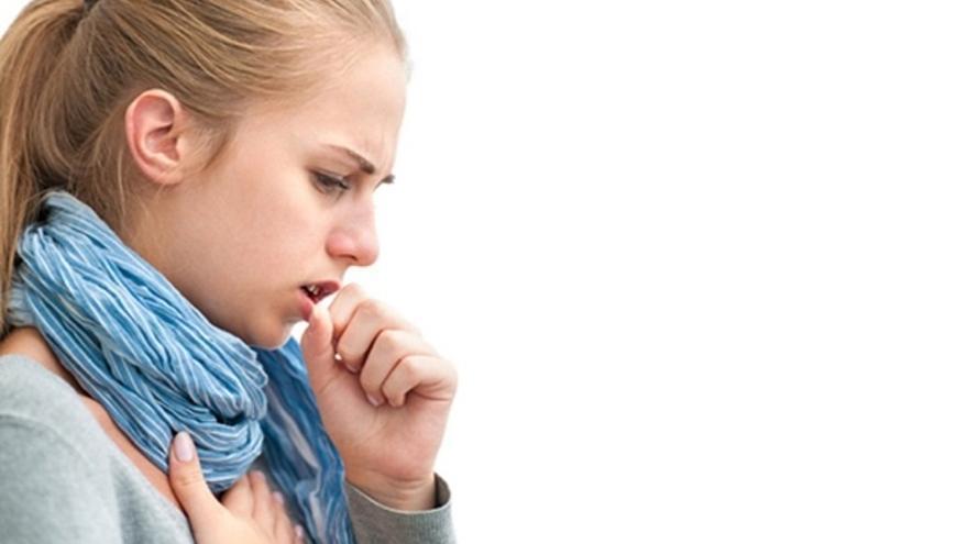 Que causa la tos