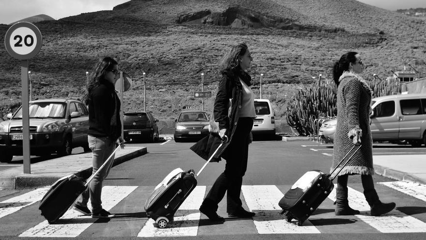'PPes´ABORTOUR' en el Aeropuerto de El Hierro