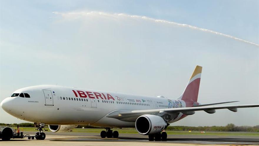 Iberia crea una clase intermedia en rutas a América para mejorar los ingresos
