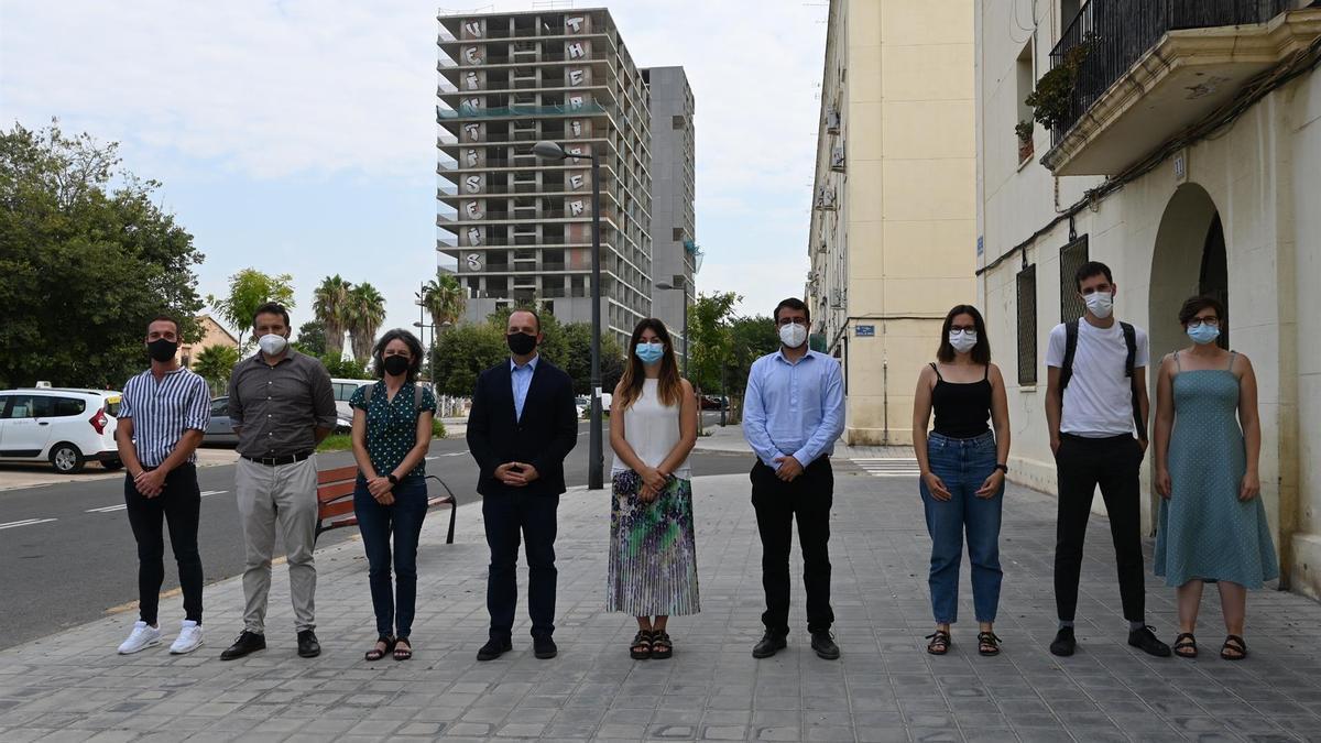 El vicepresidente segundo del Consell, Rubén Martínez Dalmau, en una visita institucional a La Torre junto a su equipo.