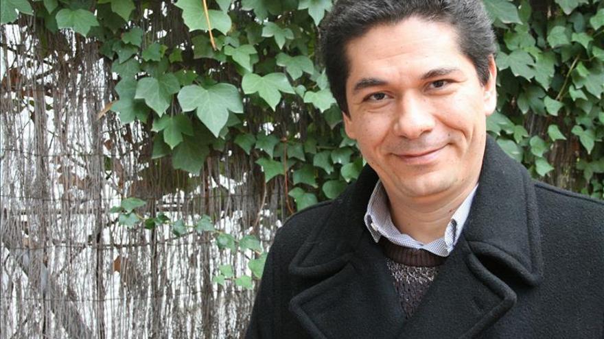 "Juan Pablo Villalobos recorre la historia de México en ""Te vendo ... - Juan-Pablo-Villalobos-historia-Mexico_EDIIMA20150120_0806_4"