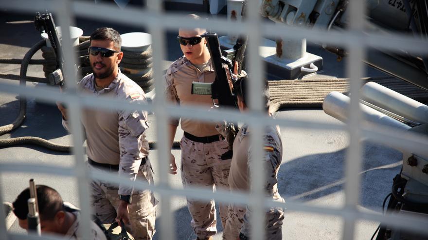 Tres solados españoles participan en el simulacro antiterrorista en el puerto de València