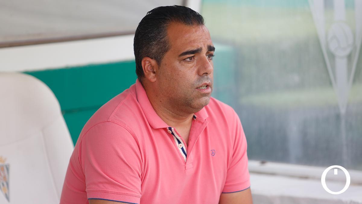 Germán Crespo, en el banquillo de El Arcángel