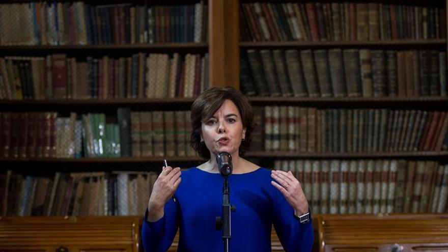 La vicepresidenta del Gobierno, Soraya Sáenz de Santamaría, en la sede de Foment del Treball / EFE