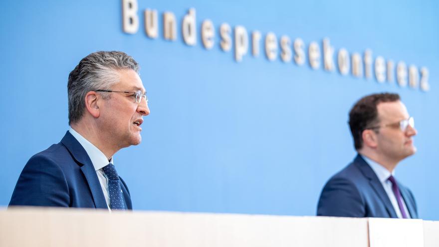 La tercera ola de la pandemia se ralentiza en Alemania y sigue cayendo la incidencia