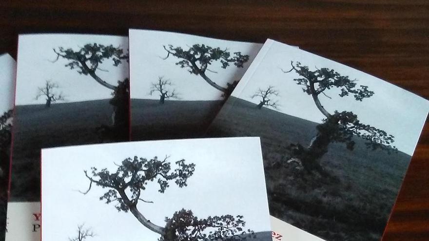 Ejemplares de 'Pensar un árbol'.