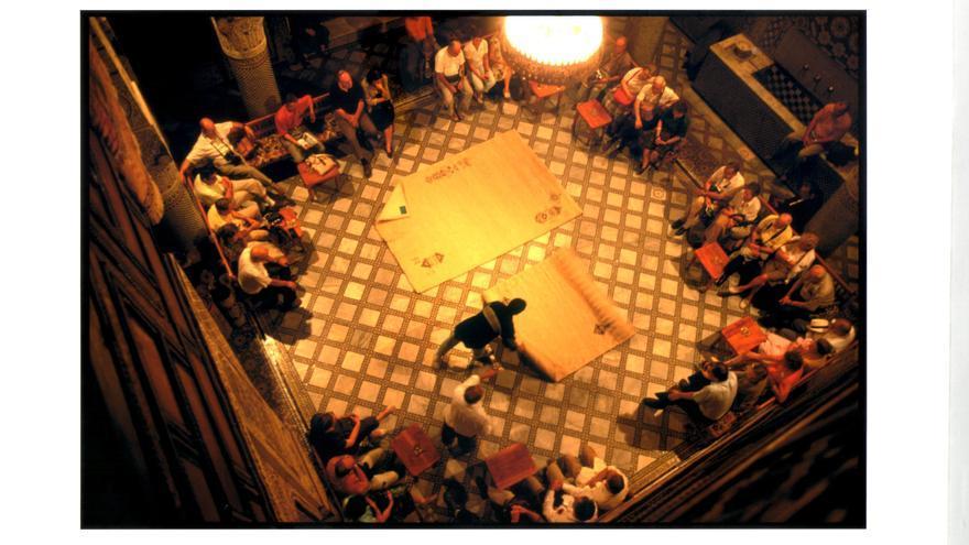 Los turistas son el principal objetivo de los vendedores de alfombras / C. P.