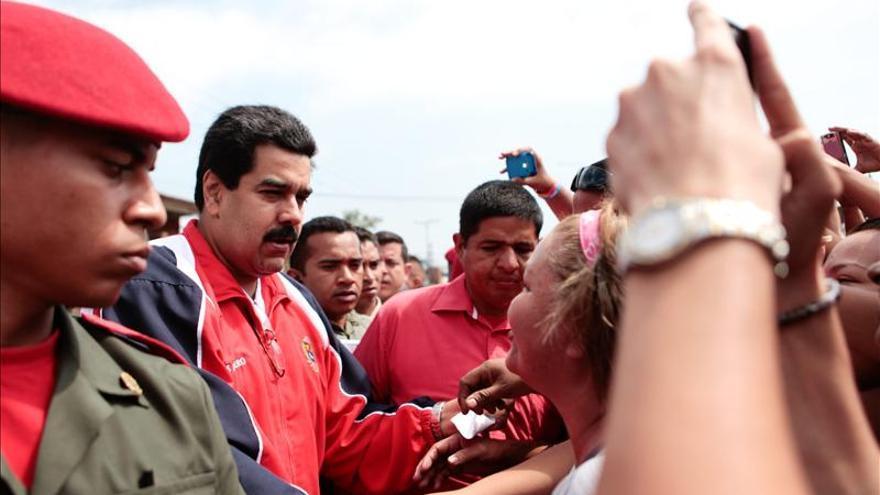 Maduro pide respeto para el presidente Hugo Chávez y su familia