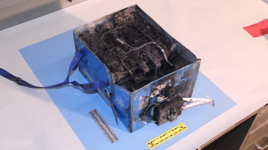 Batería quemada del Boeing 787 de Japan Airlines que se incendió el 7 de enero en el Aeropuerto Internacional Logan de Boston