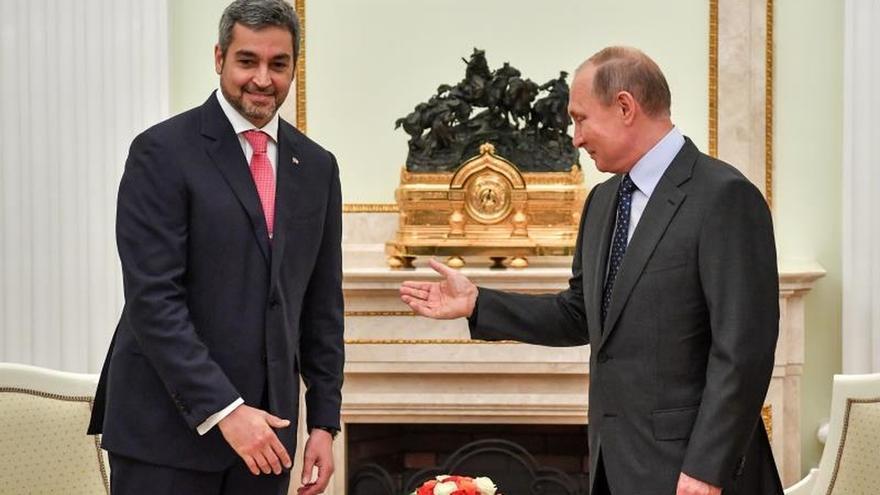 Abdo Benítez se reúne con Putin y asiste al Mundial en su primera visita a Rusia