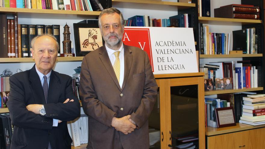 Ramon Ferrer (e), president de l'Acadèmia Valenciana de la Llengua (AVL)