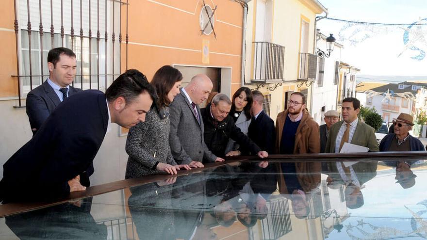 Inauguración de las obras de integración de la cisterna romana de Monturque.