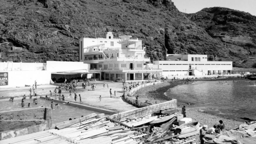 Foto histórica de la instalación social de la capital tinerfeña creada a principios del siglo XX