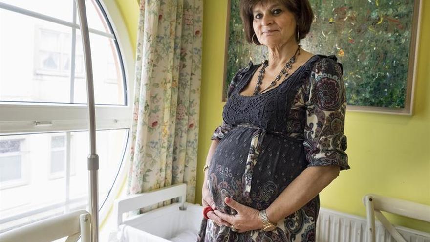 """Lina, un """"milagro del cielo"""" con una madre de 62 años"""