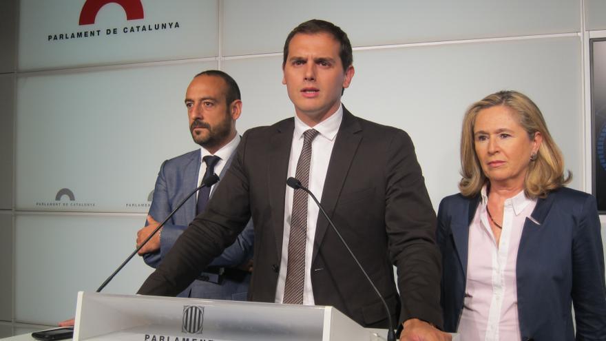 """C's ve en juego la convivencia en Cataluña ante una clase política llena de """"pirómanos"""""""