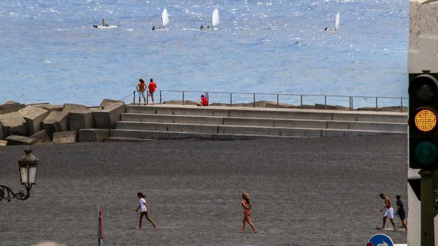 La Palma se mantiene este viernes con tres casos de Covid-19