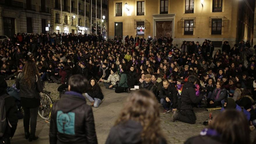 Las mujeres arrancan las movilizaciones del 8 de marzo de madrugada en Madrid. Olmo Calvo.