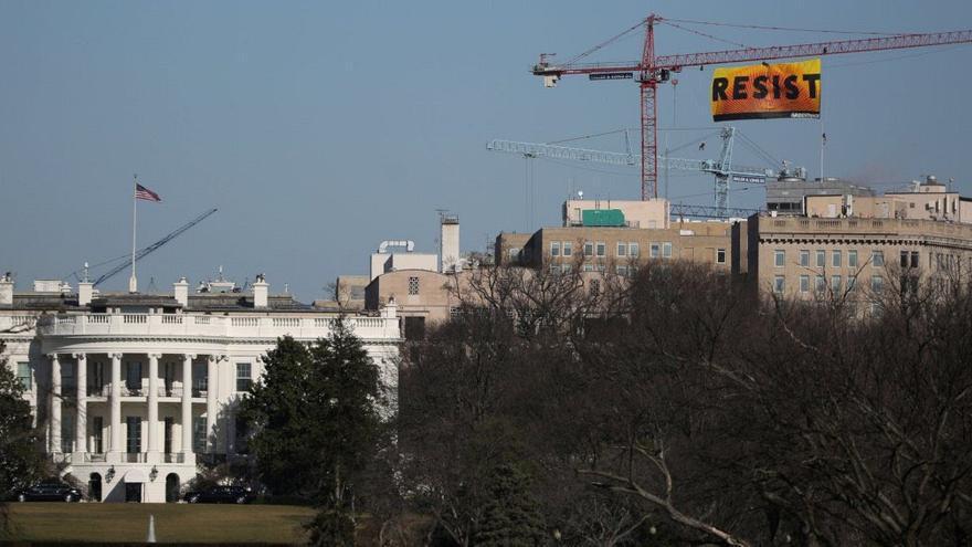 Greenpeace descuelga una pancarta junto a la Casa Blanca / Greenpeace