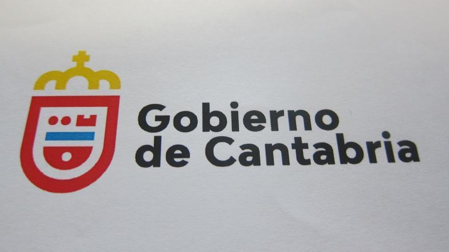 El diseñador Rafael San Emeterio gana el concurso de la nueva imagen corporativa del Gobierno
