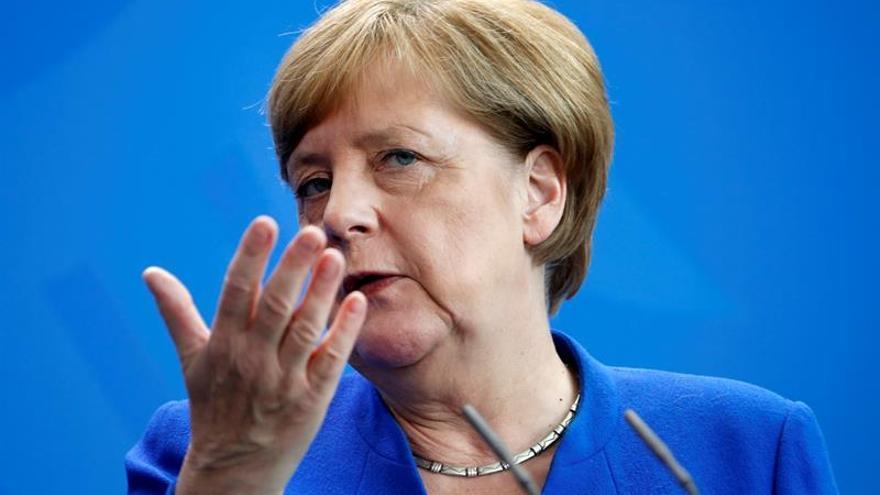 """Merkel confía en una cumbre del G20 """"segura"""" y pide protestas """"pacíficas"""""""