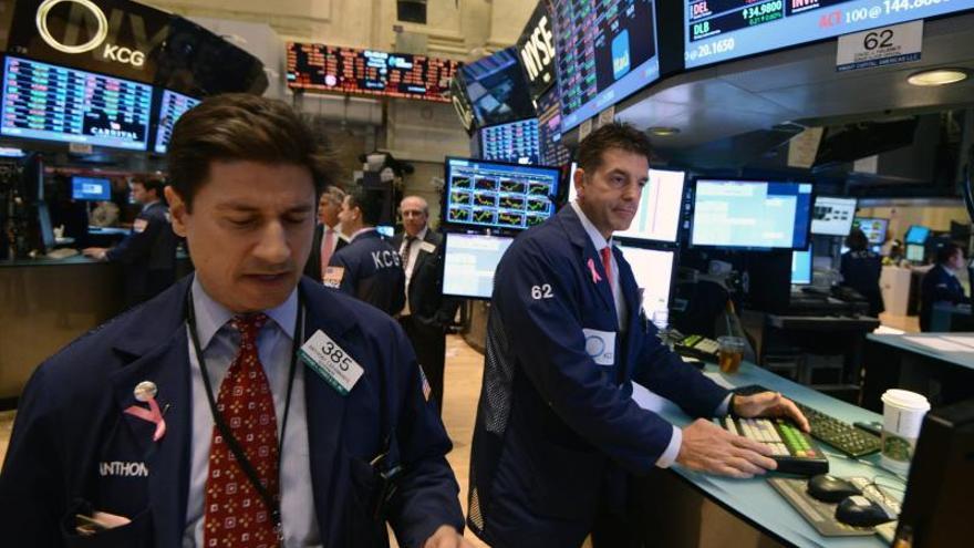 Wall Street abre sin rumbo claro y el Dow Jones avanza un ínfimo 0,01 por ciento