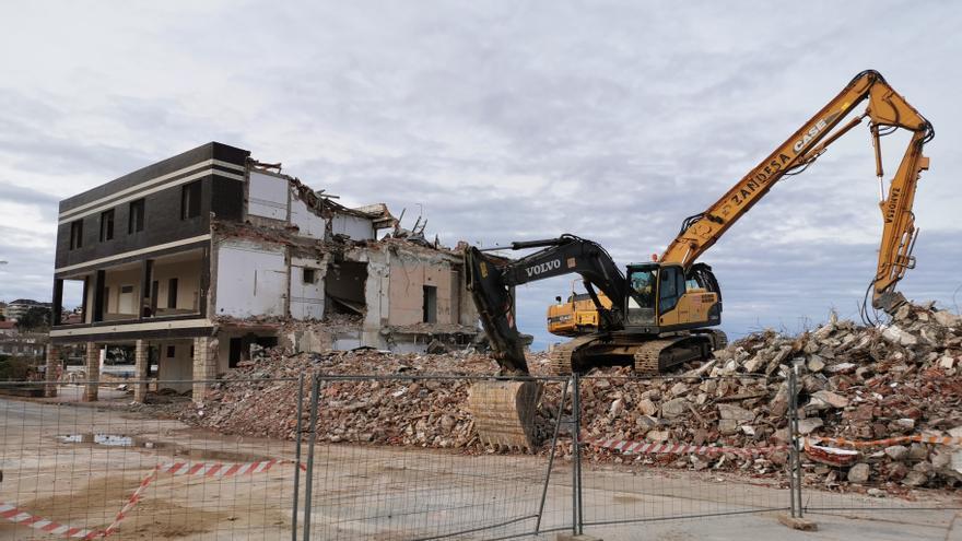 Demolición del Hotel Miramar la semana pasada.