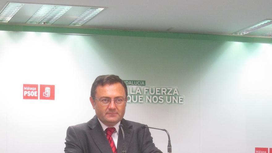 El PSOE-A reclama a Juanma Moreno que exija a Amat su dimisión tras ser imputado