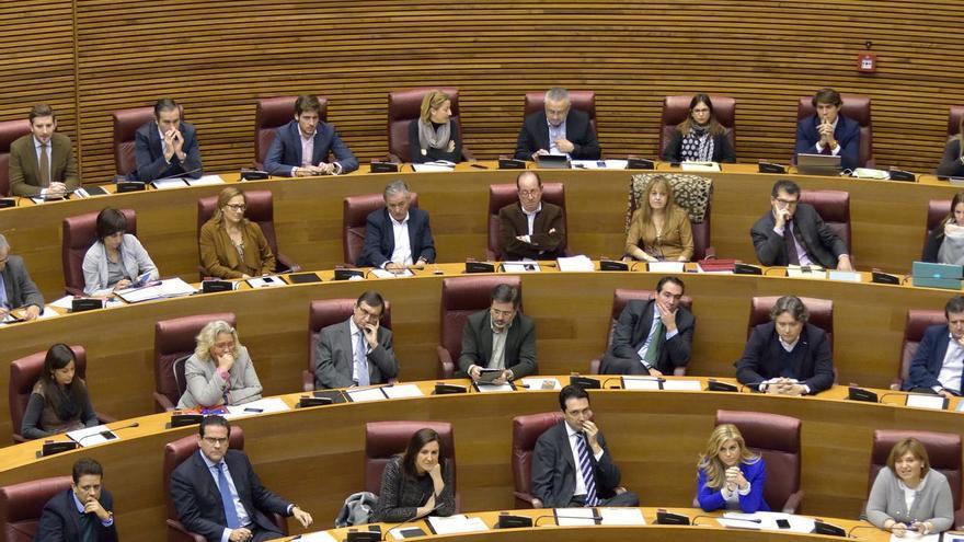 La bancada del PP en el parlamento valenciano
