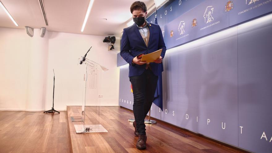 El portavoz de ERC en el Congreso, Gabriel Rufián, tras una rueda de prensa