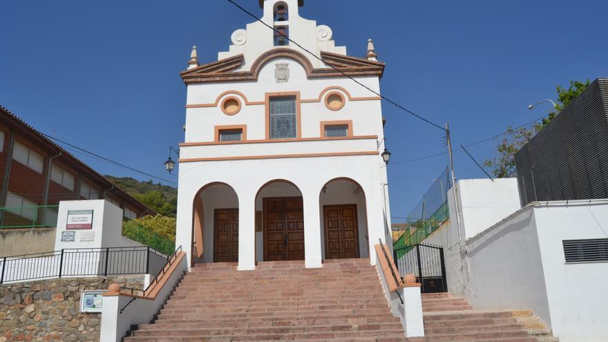 Ermita con el escudo franquista en Vall d'Uixó.