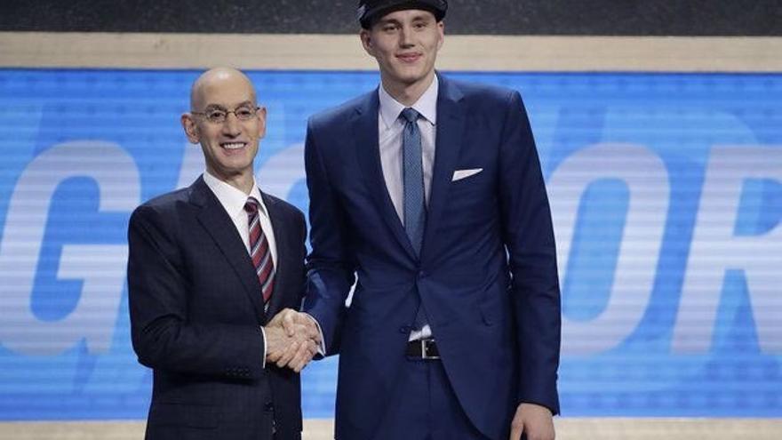 Anzejs Pasecniks en el Draft.