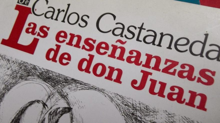 Se publicó por primera vez en 1968 en inglés por la University of California Press y en 1974 en español.