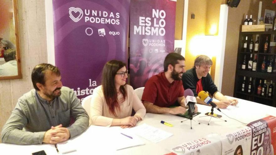 José Morales, segundo por la derecha, candidato de Unidas Podemos a la Alcaldía de Guadalajara FOTO: Unidas Podemos