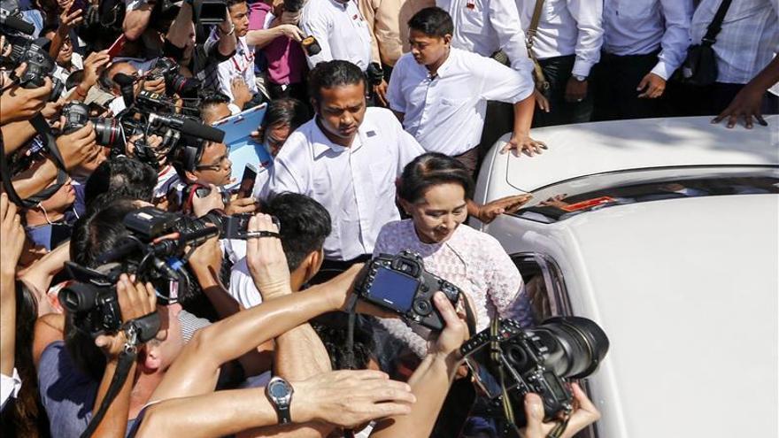 Suu Kyi cree que es pronto para clamar victoria en las elecciones en Birmania