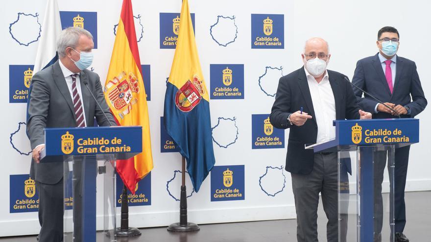 El Gobierno canario estudiará ceder los muelles deportivos de Gran Canaria al Cabildo