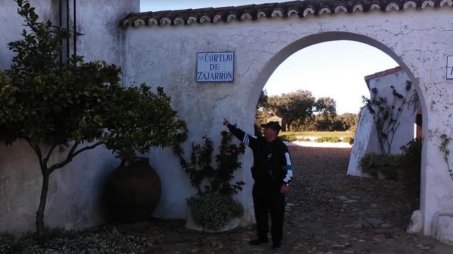 Ángel Ortega en el cortijo de Zajarrón. Ángel trabajó como auxiliar en tareas de  producción