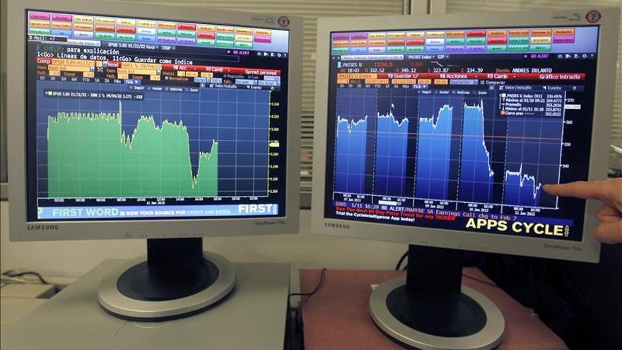 La prima de riesgo de España baja a 346 puntos básicos en la apertura