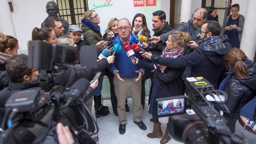 """El PSOE-A respeta la opinión de Zapatero y destaca la relación """"fluida"""" con el PSC"""