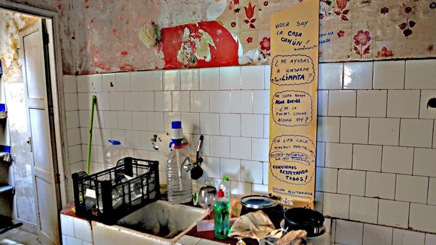 Cocina en el Centro Social La Bicicleta (ALEJANDRO RAMOS)