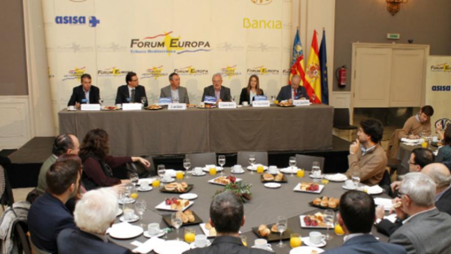 Los candidatos al Congreso por 'Compromís-Podemos. És el moment' en el Fórum Europa