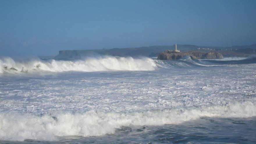 Cantabria, en alerta este lunes por vientos de hasta 100 km/h