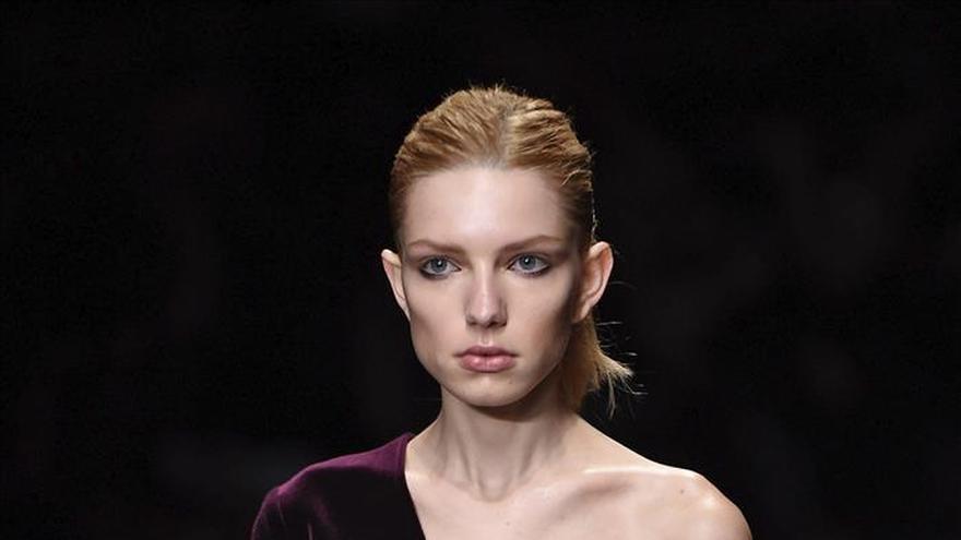 "Emilio de la Morena ""reafirma"" su estilo de mujer en la London Fashion Week"