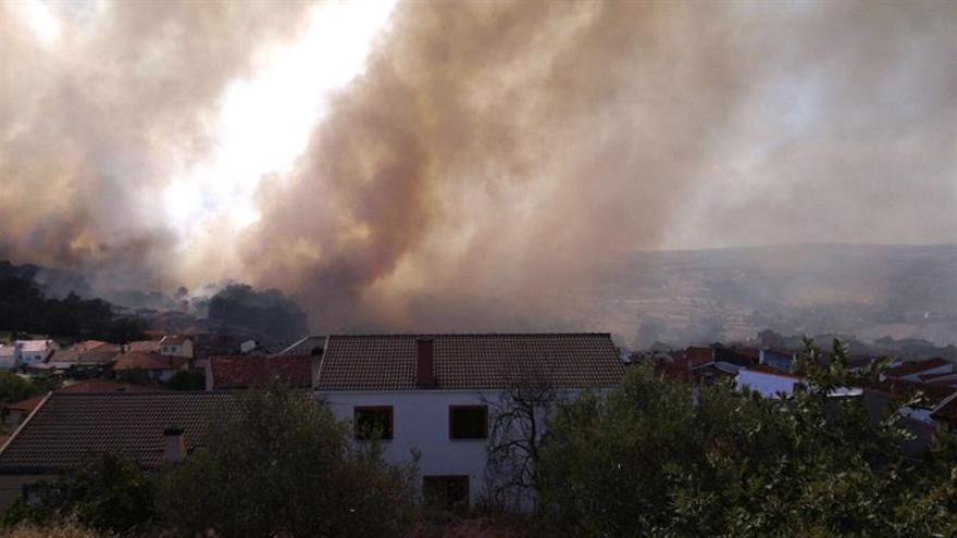 Desalojado un camping en Salamanca por la proximidad de un incendio forestal