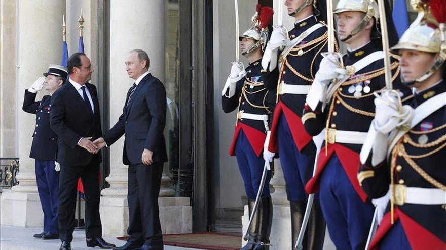Putin y Hollande se reúnen en Moscú para coordinar su estrategia antiterrorista